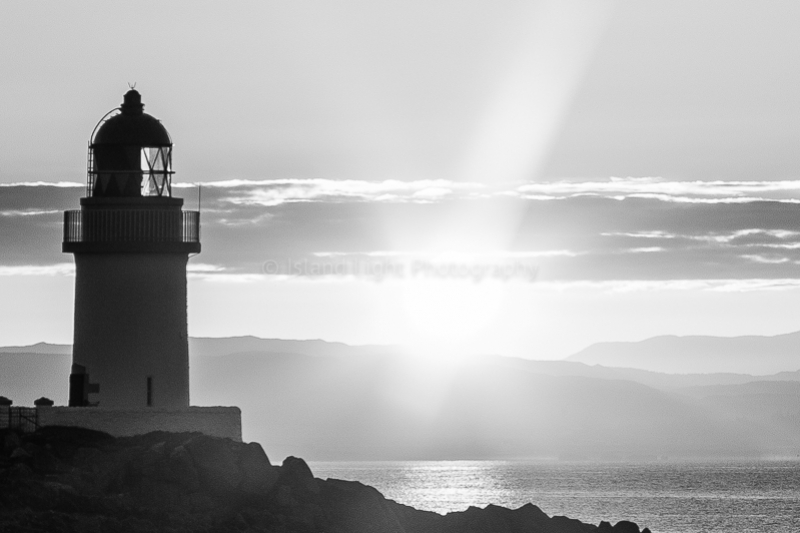 loch-indaal-lighthouse-bw