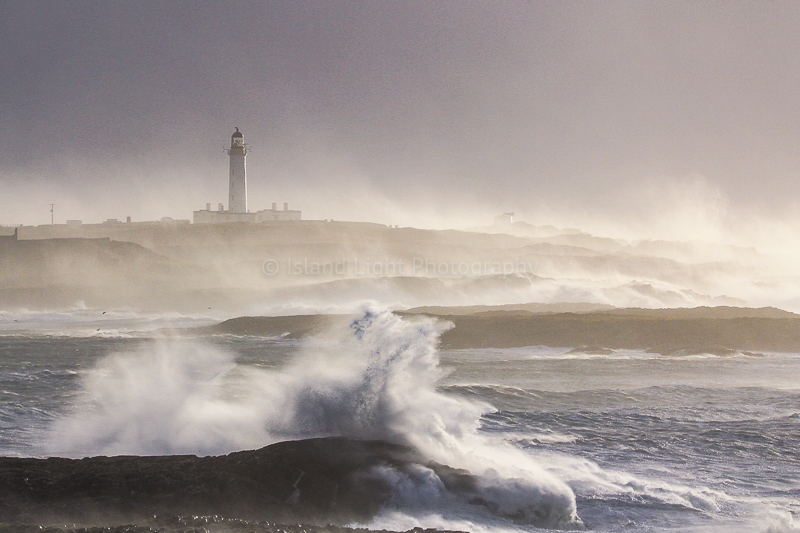 rhinns-lighthouse-10-dec-storm