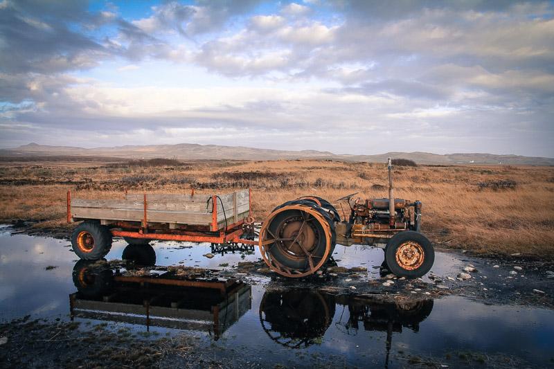 peat-tractor-laphroaig