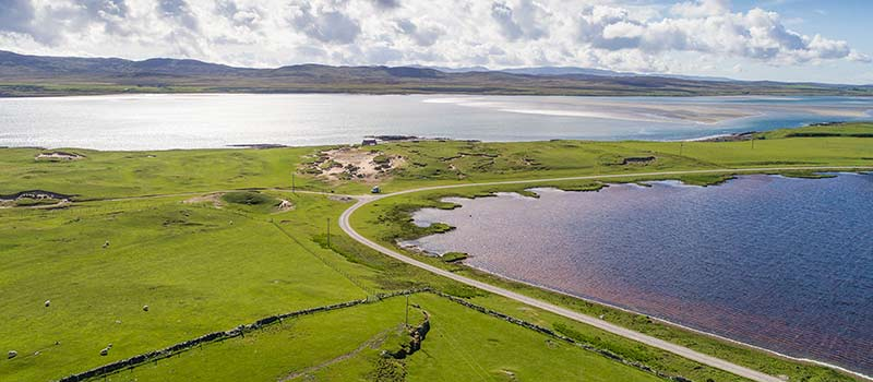 Loch Gruinart - Ardnave parking space and track below to the west